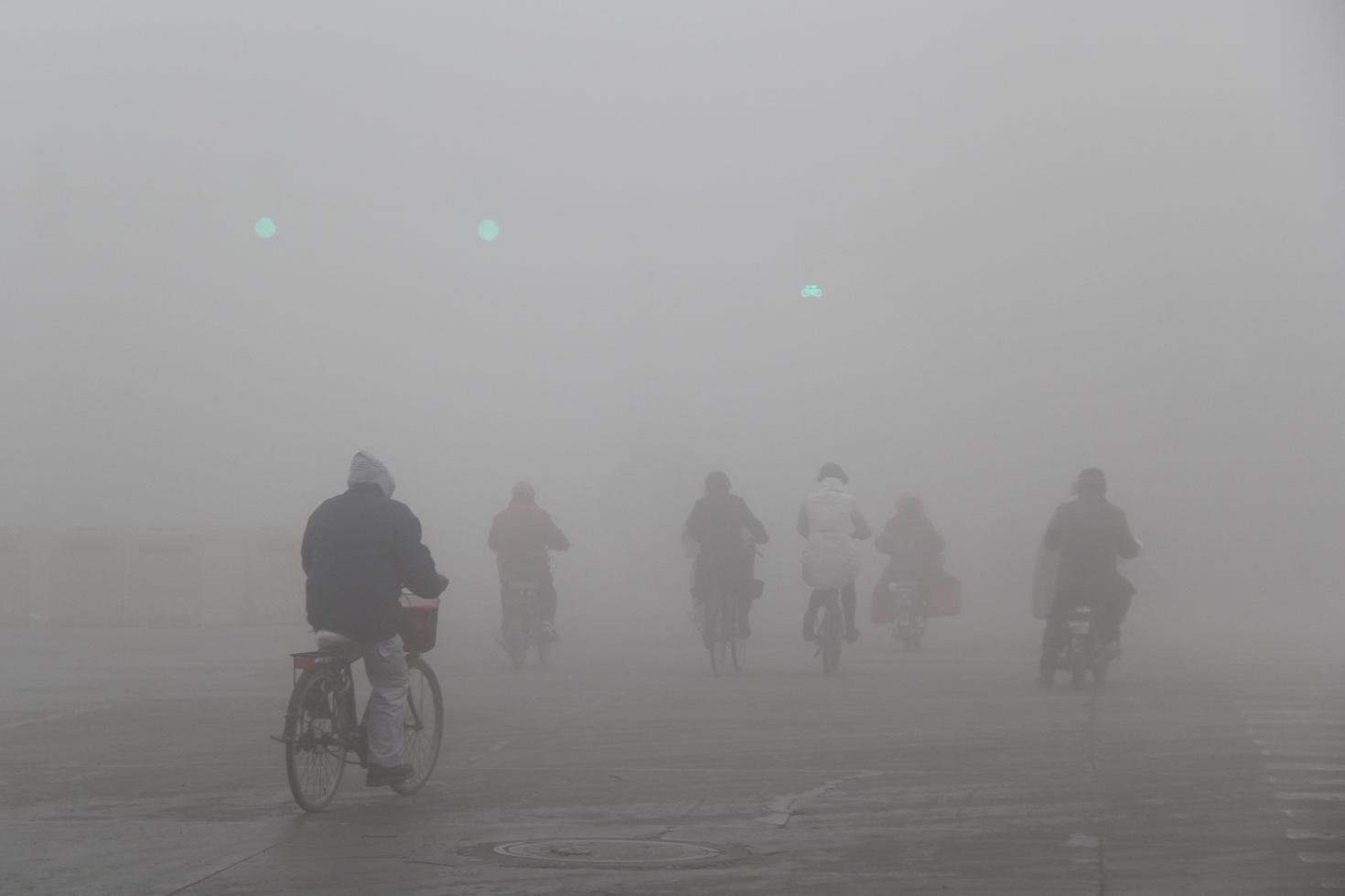 """""""霾""""怨:是城市病了,还是我们病了?/"""